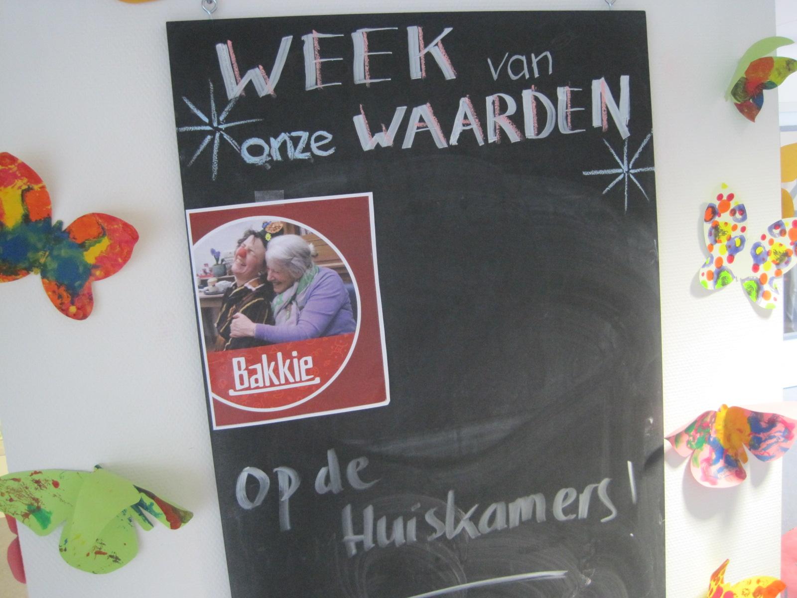 Krijtbord met aankondiging miMakker Bakkie www.neusvoorcontact.nl
